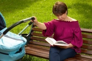 mom-reading-book-baby-stroller-2